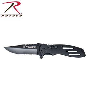 Smith & Wesson Extreme Ops Liner Lock Folding Knife, extreme Ops opening knife, smith and wesson, knife, knives, extreme Ops knife, extreme Ops knives, smith and wesson knife, smith and wesson knives, pocket knife, pocket knives, jimping, ambidextrous knife, ambidextrous knives