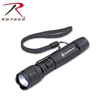 Smith and wesson,Smith & Wesson,S&W,flashlight,tactical flashlight,military flashlight,flash light,public safety flashlight,police flashlight,lumen,LED,L E D,LED flashlight
